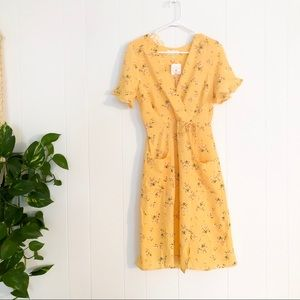 Monteau | Sunny Floral Light Dress w Pockets
